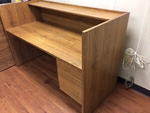 Office desk in fantastic condition!! Edmonton Edmonton Area image 1