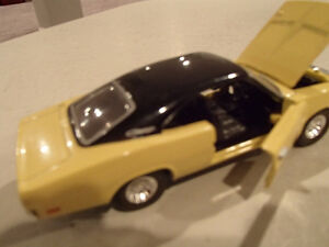 Road Champs 1969 Dodge Charger 1/43 Scale Diecast Car. YELLOW Sarnia Sarnia Area image 8