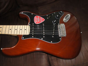AMERICAN FENDER SPECIAL STRATOCASTER BRAND NEW IN THE BOX $1250