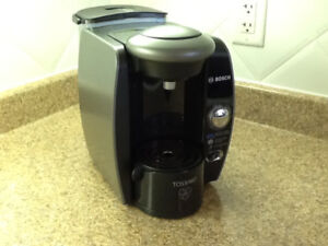 Tassimo T65. Really clean.