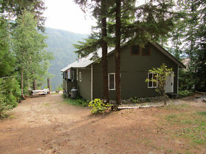 Waterfront Cottage in Barriere