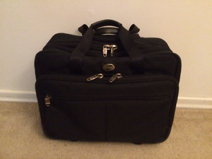 American Tourister Carry-On Suitcase w Extension Arm