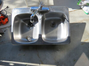 Kitchen Double Stainless Steel Sink w/Chrome Facet