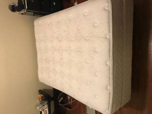 Selling a mattress, a box spring, a bed flame!