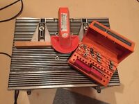 CRAFTSMAN WOOD ROUTER, ROUTER TABLE & ROUTER BIT SET