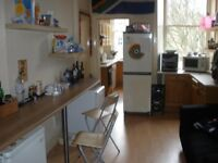 MR large double room £490, no deposit, move in today
