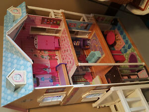 lot of barbie house, barbies and accessories
