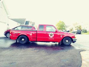 "Ford ranger 1998 lowrider 5"" ext. comme neuf!"