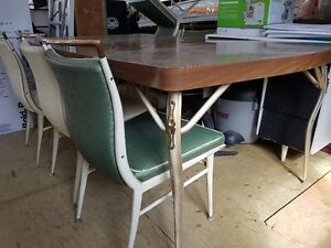 Retro Dining Table Cairs