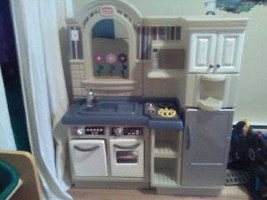 Little Tikes Kitchen Play Set