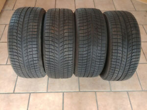 4 pneus hiver Michelin X-ice xi3 235/50/18 excellente condition