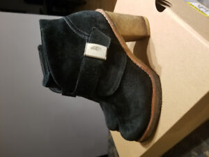 ugg bootie size 6