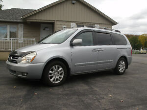 2007 Kia Sedona EX: Leather, Sun Roof, DVD, Only 132K, Must See!