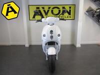 Vmoto 120L+ twist n go electric scooter, 125cc equivilent, 100 mile range!