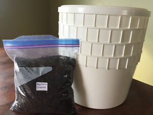 Stackable worm farm vermi-composting package