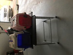 Pet carriers/cages