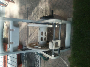 EXCELLENT CONDITION GARDEN HOSE MOBILE REEL FOR SALE $45 OR OBO