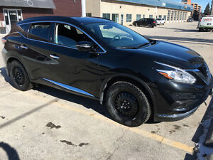Almost new. 5600km. 2015Nissan Murano SUV