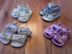 Baby Girl Sandals (Sizes 1 and 2) *great condition!* Windsor Region Ontario image 1