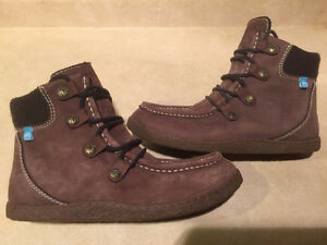 Men's Ocean Minded Leather Boots Size 9 London Ontario image 1