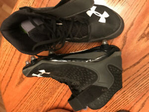 Football cleats - size 13 Underarmor barely used