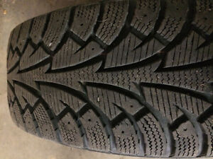 195/65/15 winter tires on Mercedes aluminum alloy rims Edmonton Edmonton Area image 2
