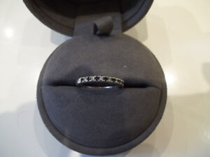 VERA WANG 14K DIAMOND AND SAPPHIRE LADIES BAND(PICK UP )
