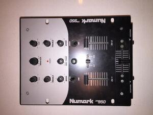 Professional DJ Mixer Numark DM950