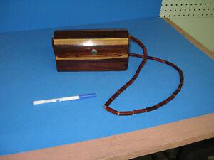 Vintage wooden purse West Island Greater Montréal image 2