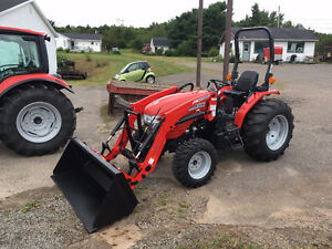 2017 McCormick X1.35H 35Hp Hydrostatic Tractor with Loader