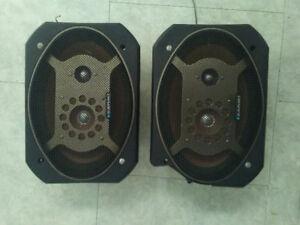Haut-parleurs Blaupunkt EMx 693 200W pour auto 6''X9''