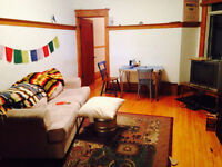 Room Available Immediately in the MILE END, $475 ALL INCLUDED