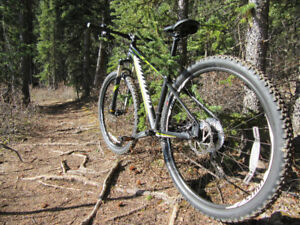 Mountain Bike Specialized Rock Hopper Small, one suspension