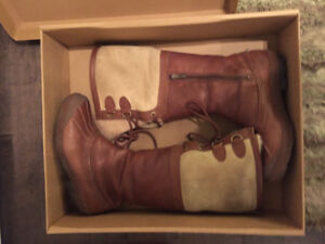UGG Women Tan leather boots
