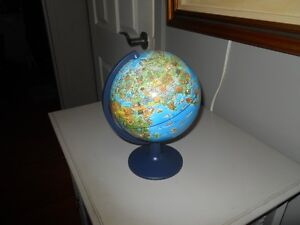 Small earth globe West Island Greater Montréal image 4