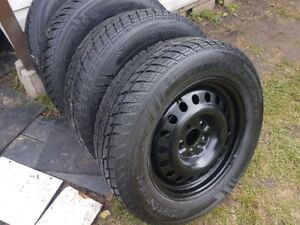 ALMOST NEW WINTER SET CHEVY EQUINOX 225 65 17 TIRES