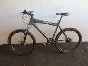 Haro Escape 8.2 Mountain Bike