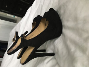 Women's Shoes in Excellent Condition