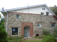 HOLMES - MCMASTER STUDENTS, 2 ROOMS AVAIL SEPT 1ST!!