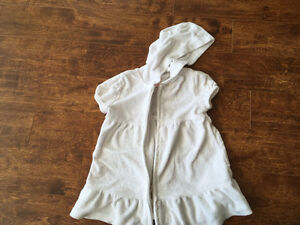 Very cute girls 2T size clothes for $10 Oakville / Halton Region Toronto (GTA) image 4