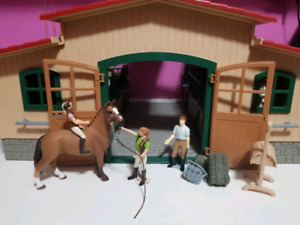 Schleich horse stable and accessories