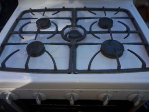MAYTAG GAS STOVE WHITE  GREAT SHAPE