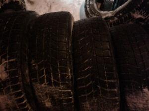 plusieurs pneus d'hiver de 15 pouces,grandeurs variés