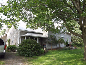 Quiet Country Home - 4086 Boyce Road