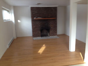 Apt 5 1/2 a Louer / For Rent (Chomedey)