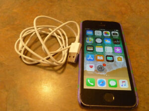 Apple 16GB  Iphone 5S  smartphone.