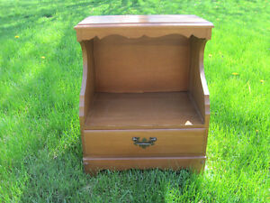 1 Bedside Table With Dovetail Drawer