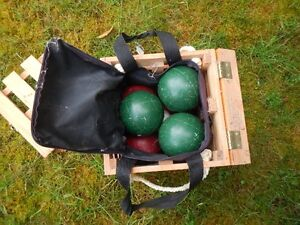 Lawn Bowling ball set