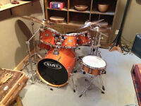 mapex drum with double pedal and custom snairs