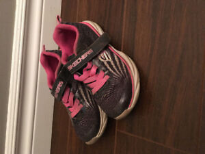 Size 11 girls Sketchers